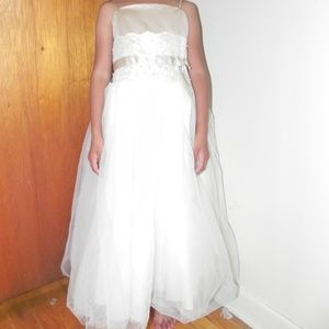 Davids Bridal Flower Girl Lace and Tulle Dress